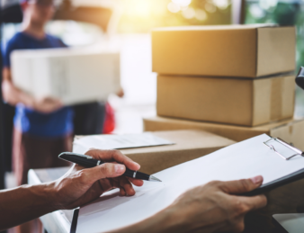 Amazon nous a rendus accros à la livraison en un jour — et maintenant les petites entreprises en font les frais